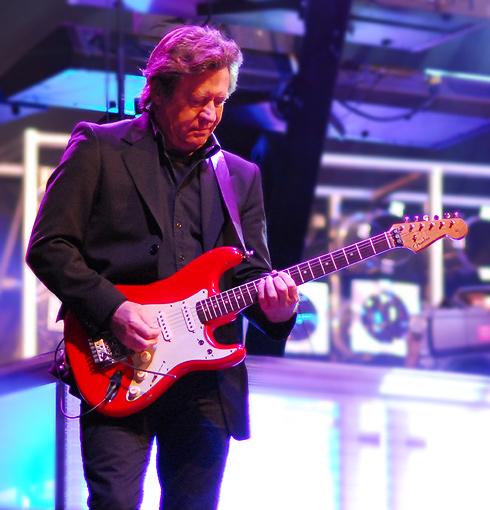 Hans Erik Lerchenfeld på sin Stratocaster