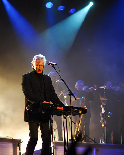 Den klassiske positur fra 80'erne, Steffen i front med synthen
